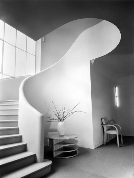 Staircase at Land'€™s End House, Beggars Hill Road, Charvil, Berkshire, 5 March 1935