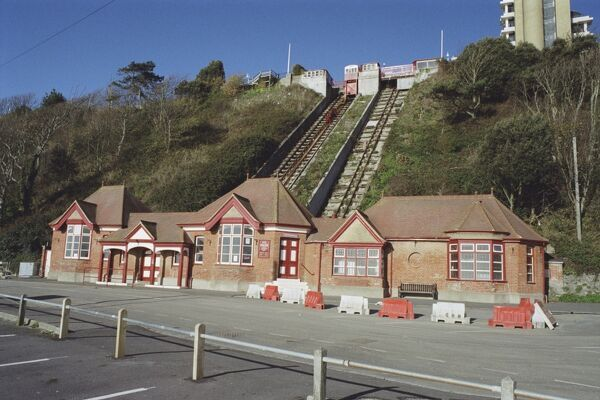 Only the 3rd lift in England to be built operating by water balance. Folkestone, Kent. IoE 175454