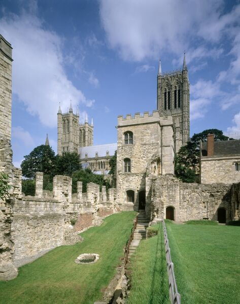BISHOP'S PALACE, LINCOLN, Lincolnshire. View towards Alnwick Tower with the cathedral behind
