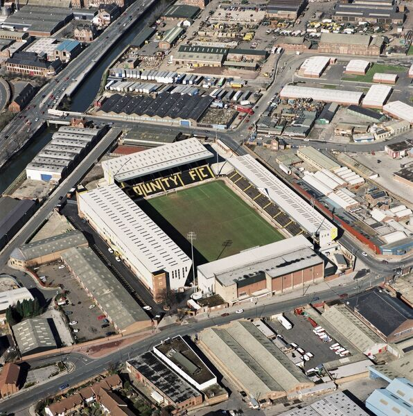MEADOW LANE, Nottingham. Home of Notts County Football Club. Photographed in March 1995. Aerofilms Collection (see Links)