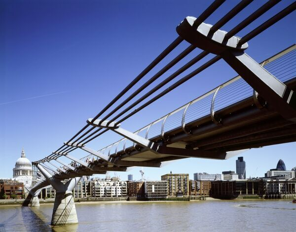 MILLENNIUM BRIDGE, London. Looking towards St Pauls from Tate Modern, Bankside