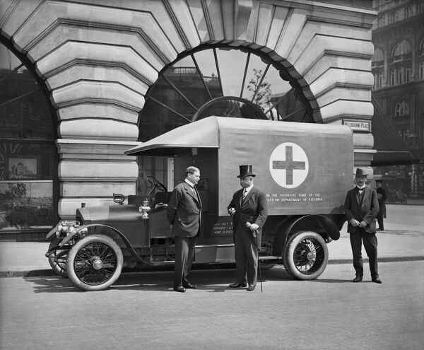 Melbourne Place, Australia House and the Government of Victoria Offices, Strand, Westminster. View of a Motor Ambulance funded by the State of Victoria. Bedford Lemere, 1915