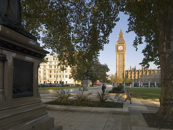 PARLIAMENT SQUARE, London. General view across the Square towards ' Big Ben ' clock tower and the Palace of Westminster