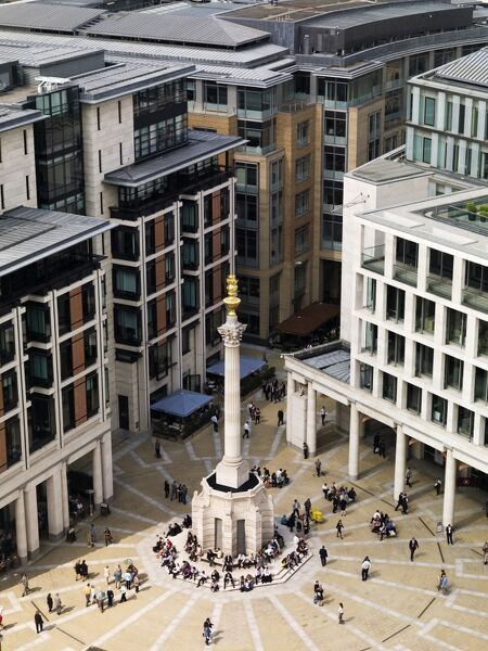 PATERNOSTER SQUARE COLUMN, City of London. Monument to north of St Paul's
