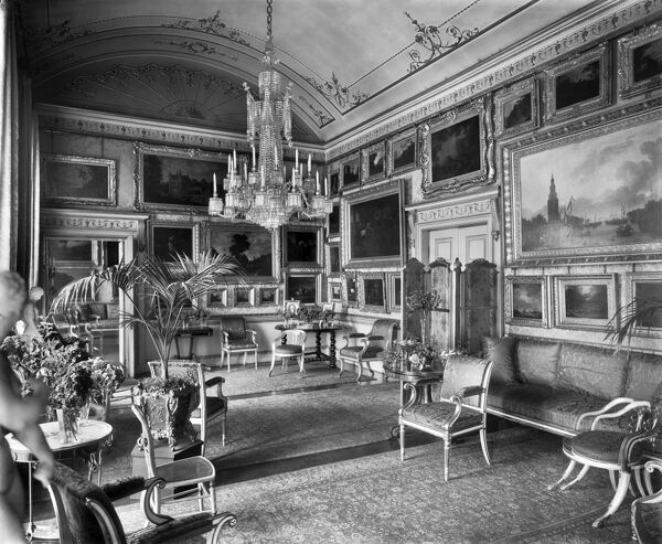 APSLEY HOUSE, London. Interior view. The Piccadilly Drawing Room. Photographed by Newton and Co. Date range: 1890-1914
