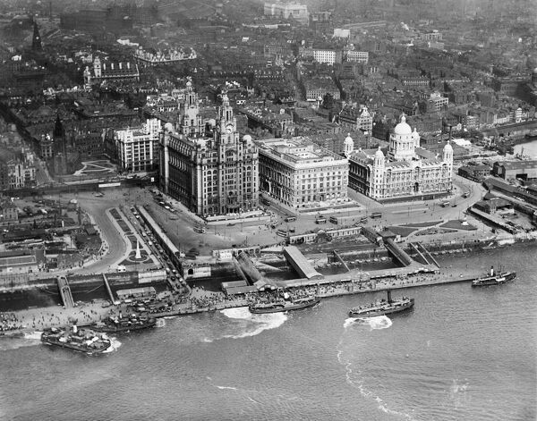 LIVERPOOL, Merseyside. Aerial view of Liverpool Pier Head with numerous ferries and small boats. Photographed in 1920. Aerofilms Collection (see Links)