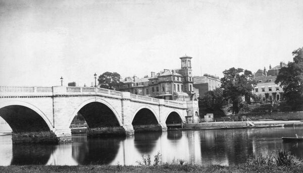 RICHMOND BRIDGE, Richmond upon Thames, London. Richmond Bridge was built between 1774-7 by James Paine and Kenton Couse. It was widened in 1937-9. Photographed by Henry Taunt between 1860 and 1887