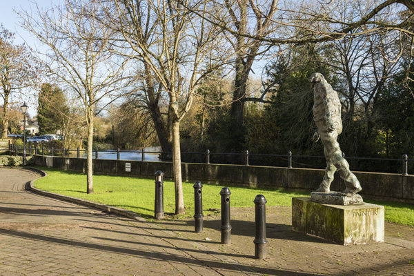Augustus John statue (1974) by Ivor Robert-Jones. Riverside Place, Fordingbridge, Hampshire. General view from the south west. Photographed by Steven Baker 2015
