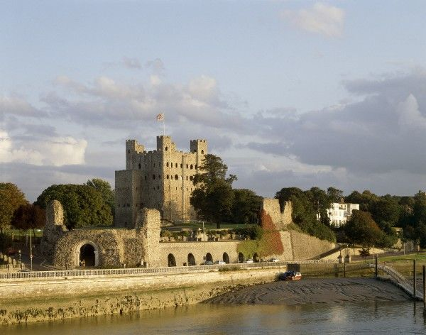 ROCHESTER CASTLE, Kent. Castle from across the River Medway
