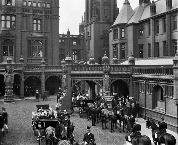 BIRMINGHAM GENERAL HOSPITAL, Steelhouse Lane, Small Heath, Birmingham. Princess Christian of Schleswig-Holstein (formerly Princess Helena, daughter of Queen Victoria) arriving by carriage at Birmingham General Hospital during the opening ceremony