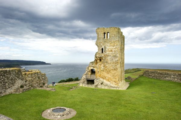 SCARBOROUGH CASTLE, North Yorkshire. View of the Keep and coast, looking North