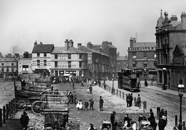 SMITHFIELD MARKET, Birmingham, West Midlands. A corner of Smithfield Market c.1890s. A steam tram travels down Moat Row towards Smithfield Street. Moat Lane is to the left with the Drovers Arms pub to the right on the corner of Bradford Street