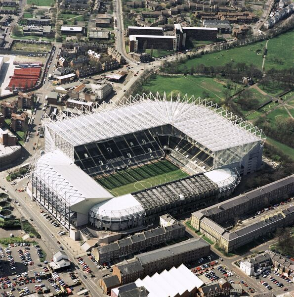 ST JAMES' PARK, Newcastle-upon-Tyne. Aerial view of the home of Newcastle United FC since 1892. Photographed in 2001. Aerofilms Collection (see Links)