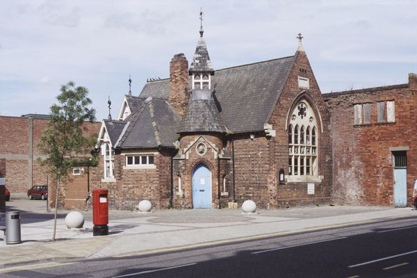 Former church hall, now RSPCA centre, Lincoln. IoE 197754