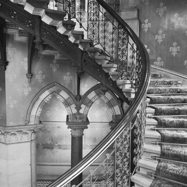 ST PANCRAS HOTEL, Euston Road, London. Interior detail showing the iron balustrades of the grand staircase in the Midland Grand Hotel at St Pancras station. Date range: 1960-1972. John Gay
