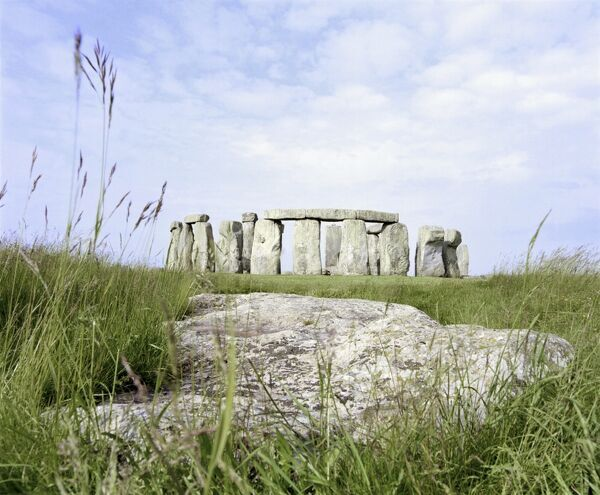 STONEHENGE, Wiltshire. View from the Slaughter Stone looking towards the stone circle