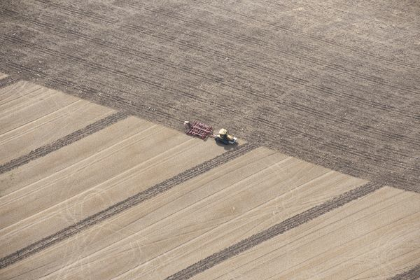 Mowthorpe Wold, North Yorkshire. Stubble cultivation