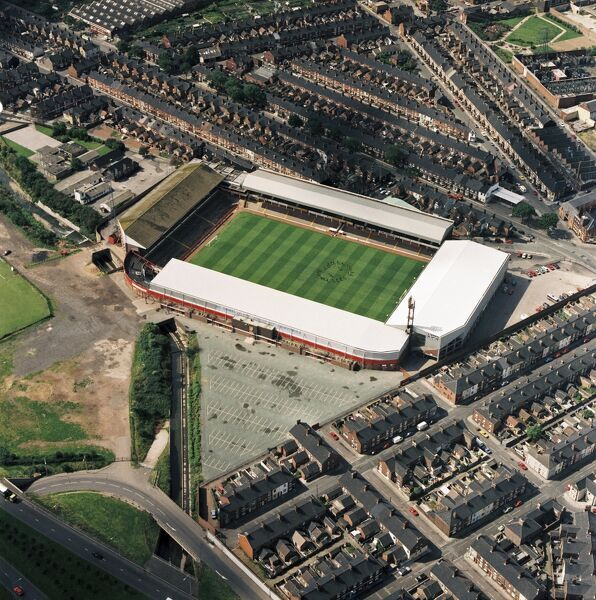VICTORIA GROUND, Stoke-on-Trent. Aerial view of the former home of Stoke City Football Club. They moved to the Britannia Stadium in 1997. Photographed in 1992 when the Potters under Lou Macari went to the league play-offs and won the Football League Trophy