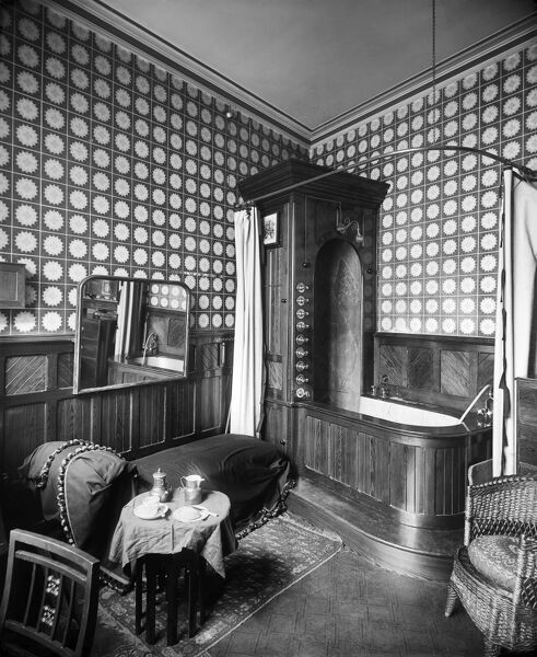28 ASHLEY PLACE, Westminster, London. The bathroom, interior design by H and J Cooper. The image was commissioned by the lady of the house. Photographed by H Bedford Lemere in August 1893