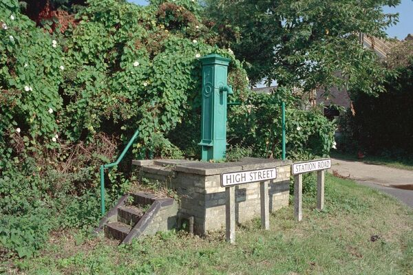 Cast Iron Water Pump, Longstanton, Cambridgeshire. IoE 50819