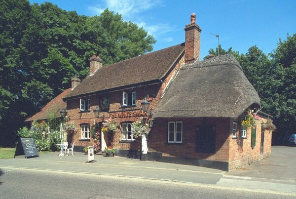 The White Swann. Public House within Aylesbury Vale. IoE 42357