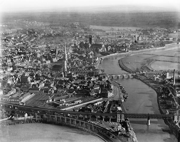 WORCESTER, Worcestershire. Aerial view, from the north west, over the city centre, March 1921. Aerofilms Collection (see Links)