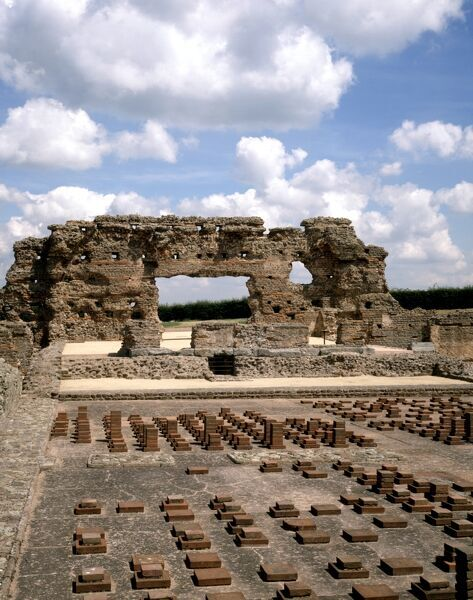 WROXETER ROMAN CITY, Shrophire. Tepidarium and Caldarium and the Frigidarium from the south showing the hypocaust heating system