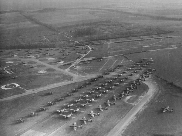 Handley Page Halifax glider tugs lined up with Hamilcar and Horsa gliders, Tarrant Rushton, 12 October 1944