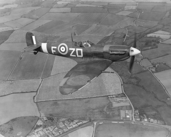 Supermarine Spitfire VB of 222 Squadron flying from RAF North Weald, 4 May 1942