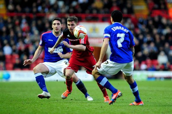 Bristol City's Paul Anderson runs after the loose ball - Photo mandatory by-line: Dougie Allward/JMP - Tel: Mobile: 26/01/2013 - SPORT - FOOTBALL - Ashton Gate - Bristol - Bristol City V Ipswich Town - Championship