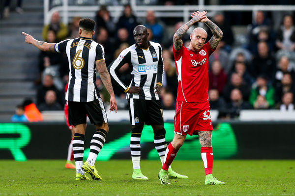Goalscorer David Cotterill of Bristol City thanks the fans as he is substituted- Rogan Thomson/JMP - 25/02/2017 - FOOTBALL - St James' Park - Newcastle, England - Newcastle United v Bristol City - Sky Bet EFL Championship