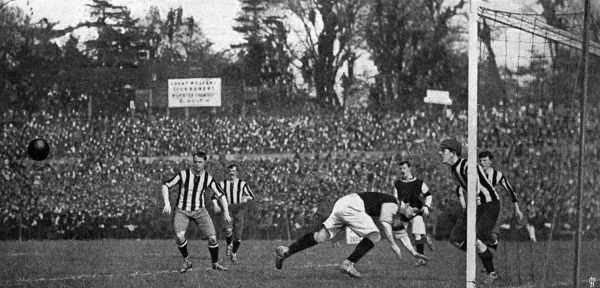 THE F.A. CUP FINAL at Crystal Palace - Aston Villa defeat Newcastle United by 2 goals to none - action at the goal mouth Date: 1905