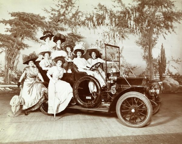 Automobile (cars). 1906 Studebaker Touring Car, model g-30 with eight costumed women