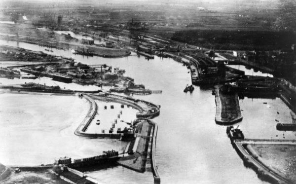 Aerial view of the sea port of Ostend, Belgium, during the First World War. Date: circa 1918