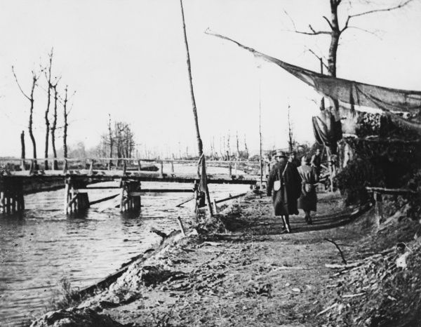 Banks of the Aisne Canal during World War I