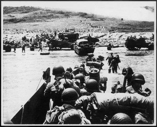 American troops landing on Omaha beach, Normandy, France, as part of the Allied D-Day landings