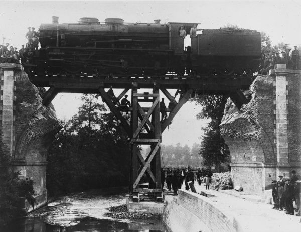 Repair to the railway bridge over La Celle River at Pont de Metz (2 miles south west of Amiens) carried out by the 8th railway company of the royal engineers on the Amiens-Rouen Line in France on the British front during World War I in 1917