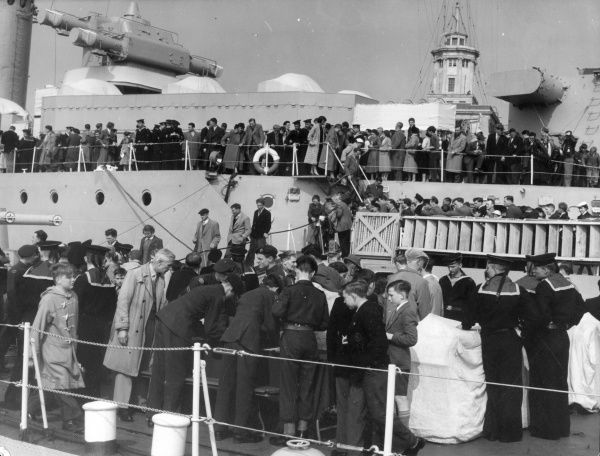 Well over 20,000 people went on board the Soviet ships on the first day of the Portsmouth 'Festival of Friendship', England. Date: April 1956