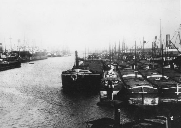 The commercial harbour at Antwerp, Belgium, during the First World War, with interned ships. Date: 1914-1918