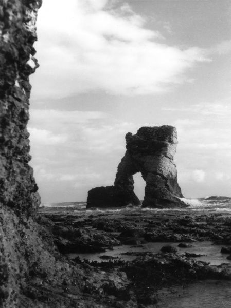 The Arch Rock, part of the cliff formation near Yarmouth, Isle of Wight, Hampshire, England. Date: BC