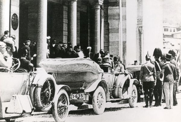 Archduke Franz Ferdinand and his wife leaving the Town Hall in Sarajevo before their assassination. Date: 28 June 1914