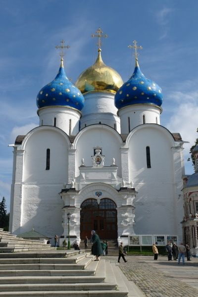 Main entrance to the Assumption Cathedral, in the town of Sergiyev Posad, Russia. The cathedral was built in the 16th century, and forms part of the complex of the Trinity Lavra (Monastery) of St Sergius, the spiritual centre of the Russian Orthodox Church