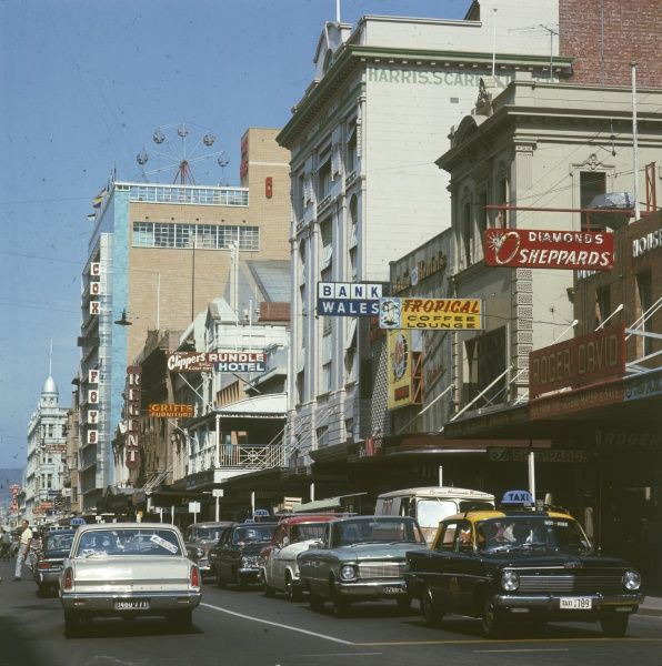 Adelaide: Rundle Street in the city centre