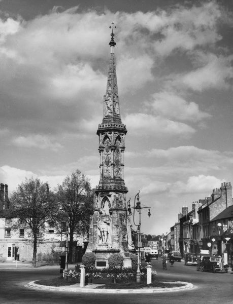 The Banbury Cross as described in the nursery rhyme 'Ride a Cock Horse'. The original cross was destroyed by puritans in 1642. Date: 1950s