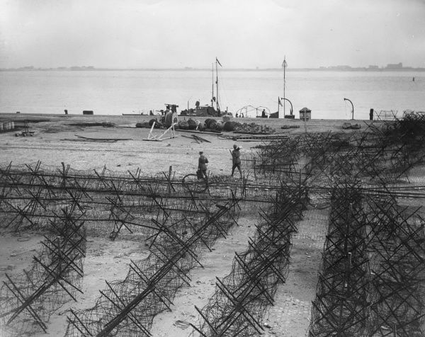 Barbed wire on the mile-long Zeebrugge Mole, at the sea port of Zeebrugge, Belgium, during the First World War. Date: 23 October 1918