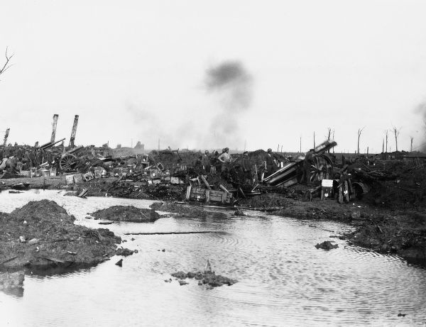 60 pounder guns in action near Langemarck, Belgium in the first Battle of Passchendale during World War I on 12th October 1917