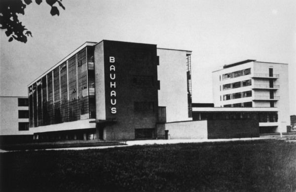 The Bauhaus building in Dessau, manufacturing city in eastern Germany. The building was built in 1925 - 26 by the German architect Walter Gropius. Date: 1930s
