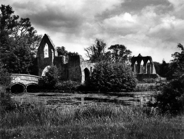 The ruins of Bayham Abbey, a Premonstratensian monastery founded by Robert Thornham; near Tunbridge Wells, Kent, England. Date: founded circa 1200