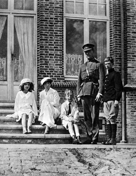 King Albert of Belgium seen with his family, the Queen Elizabeth, their daughter Princess Marie Jose (left), Prince Charles, Count of Flanders (middle) and Prince Leopold, Duke of Brabant (right). A popular figure, the King, as commander of the Belgian army