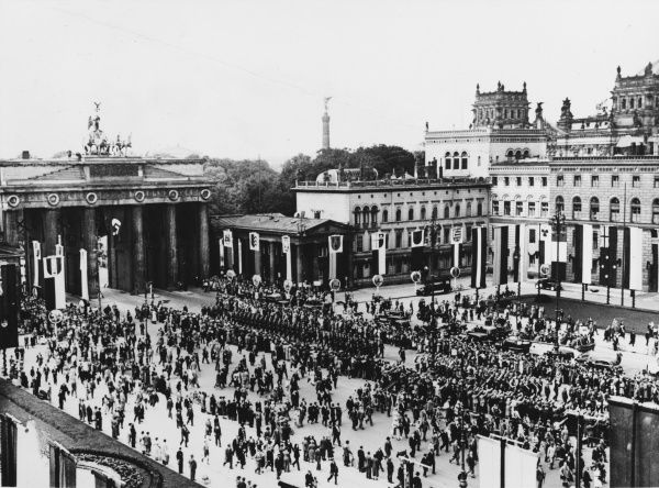 Crowds at the Brandenburg Gate in Berlin, Germany, on the Sunday before the start of the 1936 Olympic Games